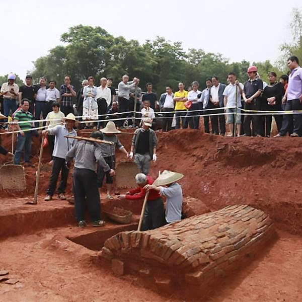 Безсмъртна любов: Откриха романтично погребение отпреди 1000 години